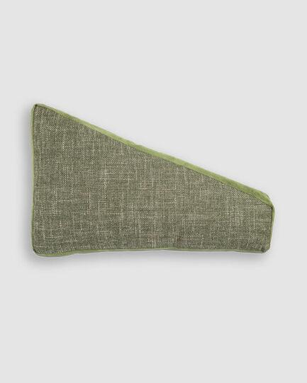 Almofada da Coleção De Tempos em Tempos lançada pela Codex Home. Confeccionada manualmente em linho e camurça na cor verde. O preenchimento é feito em fibra siliconada. Possui zíper invisível.