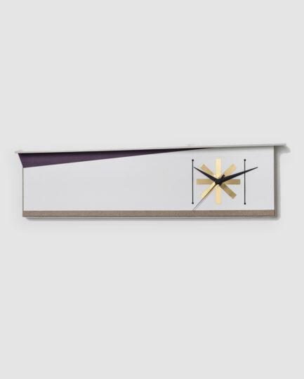 Relógio da Coleção De Tempos em Tempos lançada pela Codex Home. O relógio nasce da inspiração na geometrização e linhas modernistas