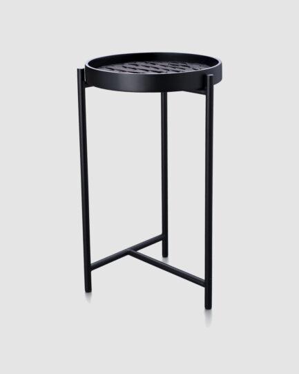 A mesa lateral Pak é feita de madeira e metal